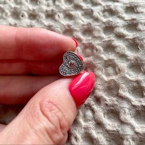 Beautiful heart shaped Pandora charm
